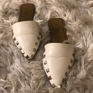 Shoes - Pointed Slides